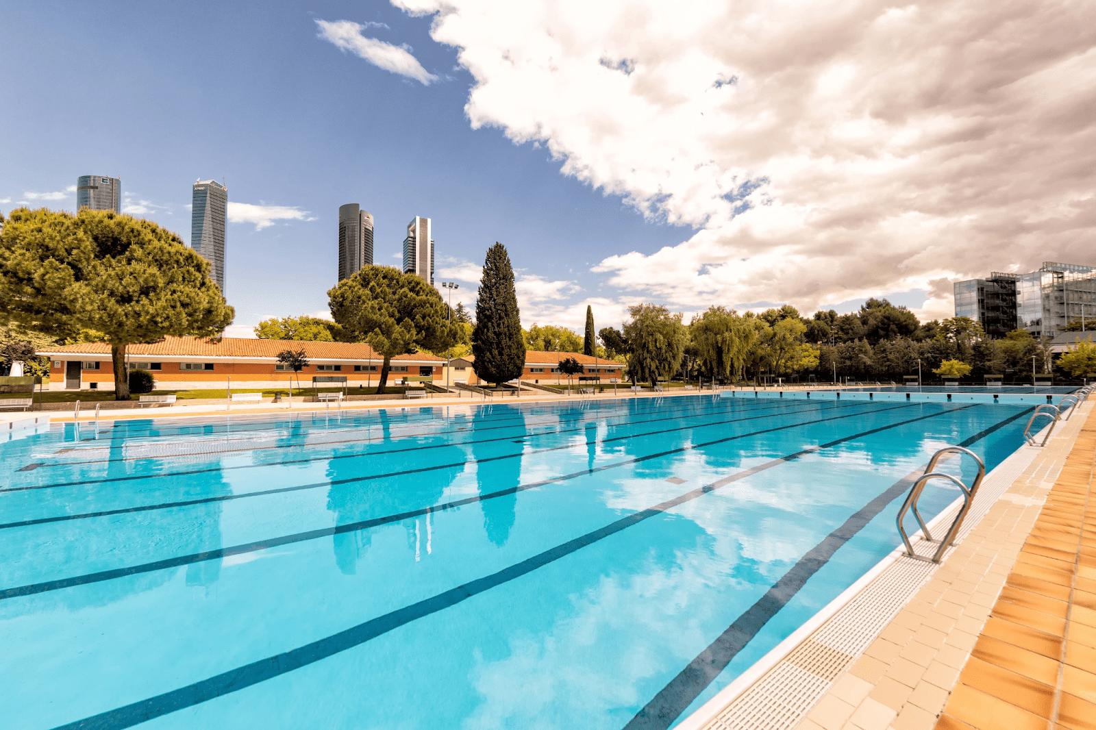 Public Pool Best Summer Plans in Madrid
